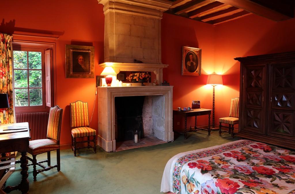 Chambre La Nuit : La chambre aux portraits nuit logis saint aubin